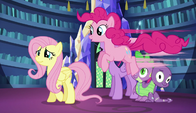 S05E21 Pinkie Pie cieszy się z obecności Fluttershy