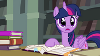 "Twilight ""living up to the Element of Harmony"" S4E25"