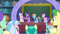 Twilight giving a lesson on compromise S8E17