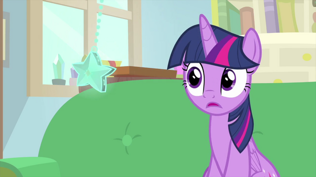File:Twilight looking at the swinging star MLPS4.png