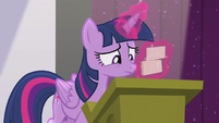 Twilight sorting her flash cards S5E25