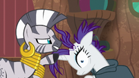 Zecora looking at Rarity's scalp S7E19