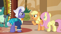 "Applejack ""you're not the type of pony I expected"" S6E20"