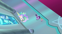 Celestia brings a stained glass window to life S8E7