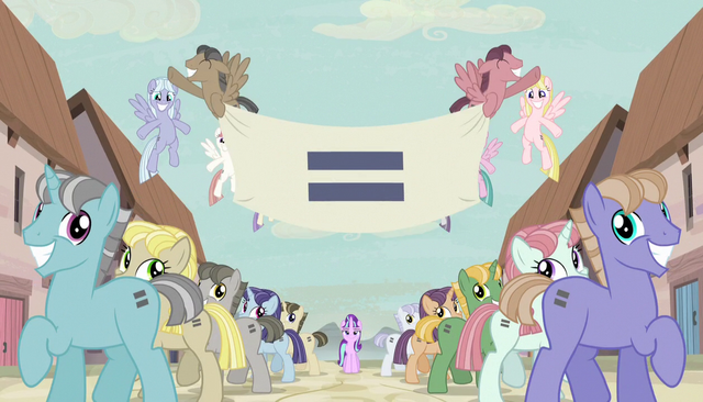 Файл:Creepy smiling ponies with equals sign banner S5E1.png