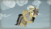 Daring Do keeps the artifact for herself S9E21
