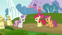 Sweetie Belle returns to Apple Bloom and Scootaloo S7E6