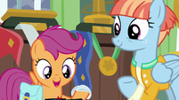 Windy Whistles giving Rainbow's diaper to Scootaloo S7E7