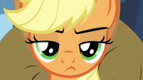 Applejack pouting S4E22