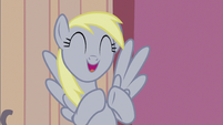 Derpy excitedly tapping her hooves together S5E9