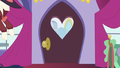 Rainbow Dash about to enter the boutique S5E15.png