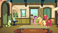 "Young Applejack ""excuse me one second!"" S6E23"