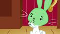 Angel hates cucumber S02E19.png