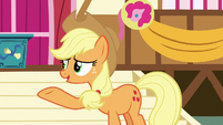 "Applejack ""who's gonna get her?"" S8E18"