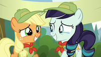 Applejack and Rara happy S5E24