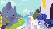Celestia and Luna watching over train S3E2