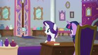 Cozy Glow enters Twilight's office again S8E16