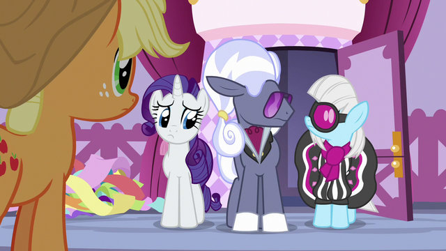 File:Hoity Toity and Photo Finish look at each other S7E9.png
