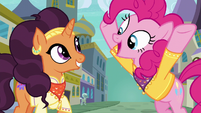 Pinkie continues singing for Saffron S6E12