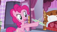 Pinkie spins the plate S5E14