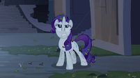 Rarity mad at the castle S4E03