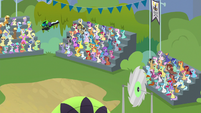 Rolling Thunder flying over the audience S8E20