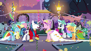 S02E26 Party time