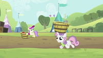 Sweetie Belle with empty tub on head S2E05