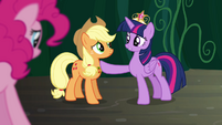 Twilight 'and our friendships may be tested' S4E2
