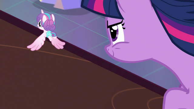 File:Twilight Sparkle flying after Flurry Heart S7E3.png