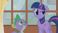 Twilight looking skeptical S1E09