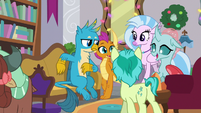 Young Six excited for winter break S8E16