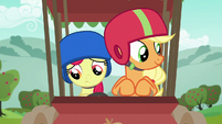 Apple Bloom buckles her seat belt S6E14