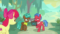 Apple Bloom watches Spur and Biscuit disagree S9E22