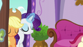 Applejack and Rarity enter the spa S6E10.png