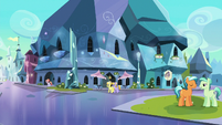 Crystal Ponies in the Empire square S6E16