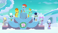 Filly Rainbow in first place at award ceremony S7E7