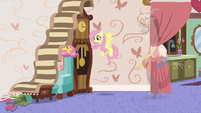 Fluttershy makes a staircase leading nowhere S7E12