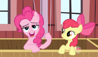 Pinkie Pie's lips are limbered up 1 S2E14
