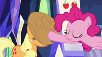 Pinkie lowers AJ's hat over her face S9E14
