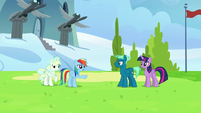 """Rainbow """"never trying to steal your spotlight"""" S6E24"""