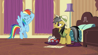 Rainbow Dash salutes to Daring Do S6E13