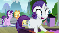 "Rarity ""I must find the silk!"" S8E7"