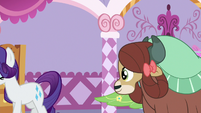 Rarity leads Yona out of the room S9E7