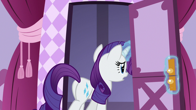 File:Rarity leaving the boutique sewing room S7E9.png