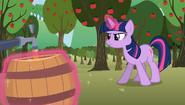S02E15 Twilight napełnia beczki