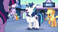"Shining Armor tired ""here I am"" S6E1"