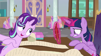 Starlight greets Twilight during her breakdown S9E1