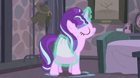 Starlight wiping herself with her towel S5E02