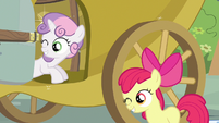 Sweetie Belle & Apple Bloom wink S3E4